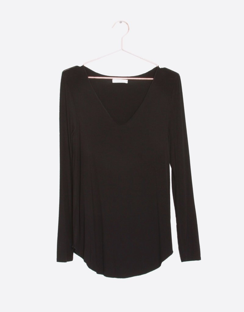 LeBLANC finds Everyday Long Sleeve