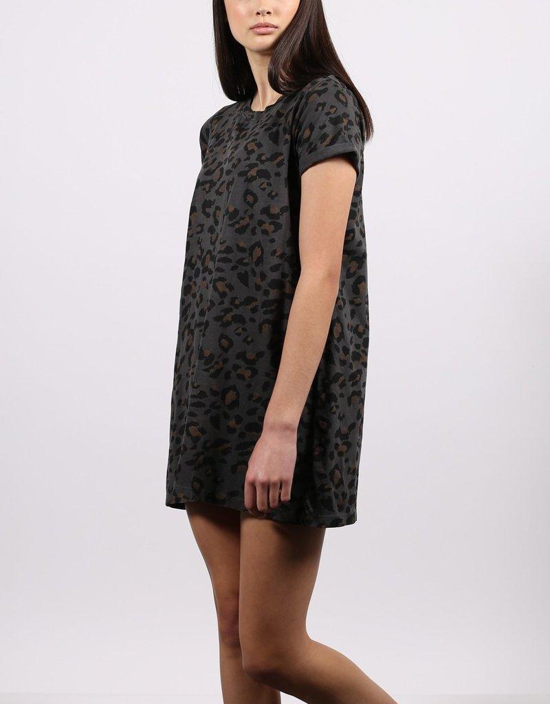 BRUNETTE  the label Slate Leopard Tee Shirt Dress