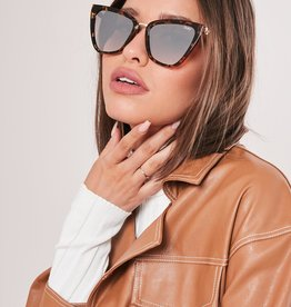 QUAY REINA TORT/ BRN Sunglasses