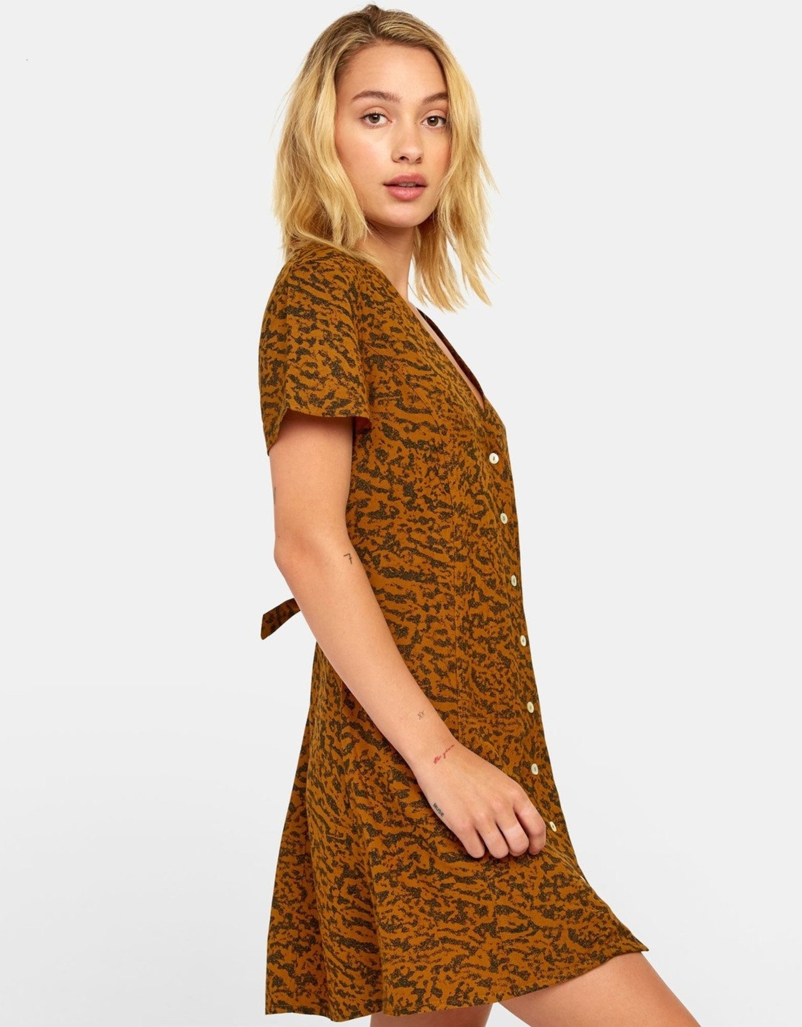 RVCA GUILT BUTTON-UP DRESS