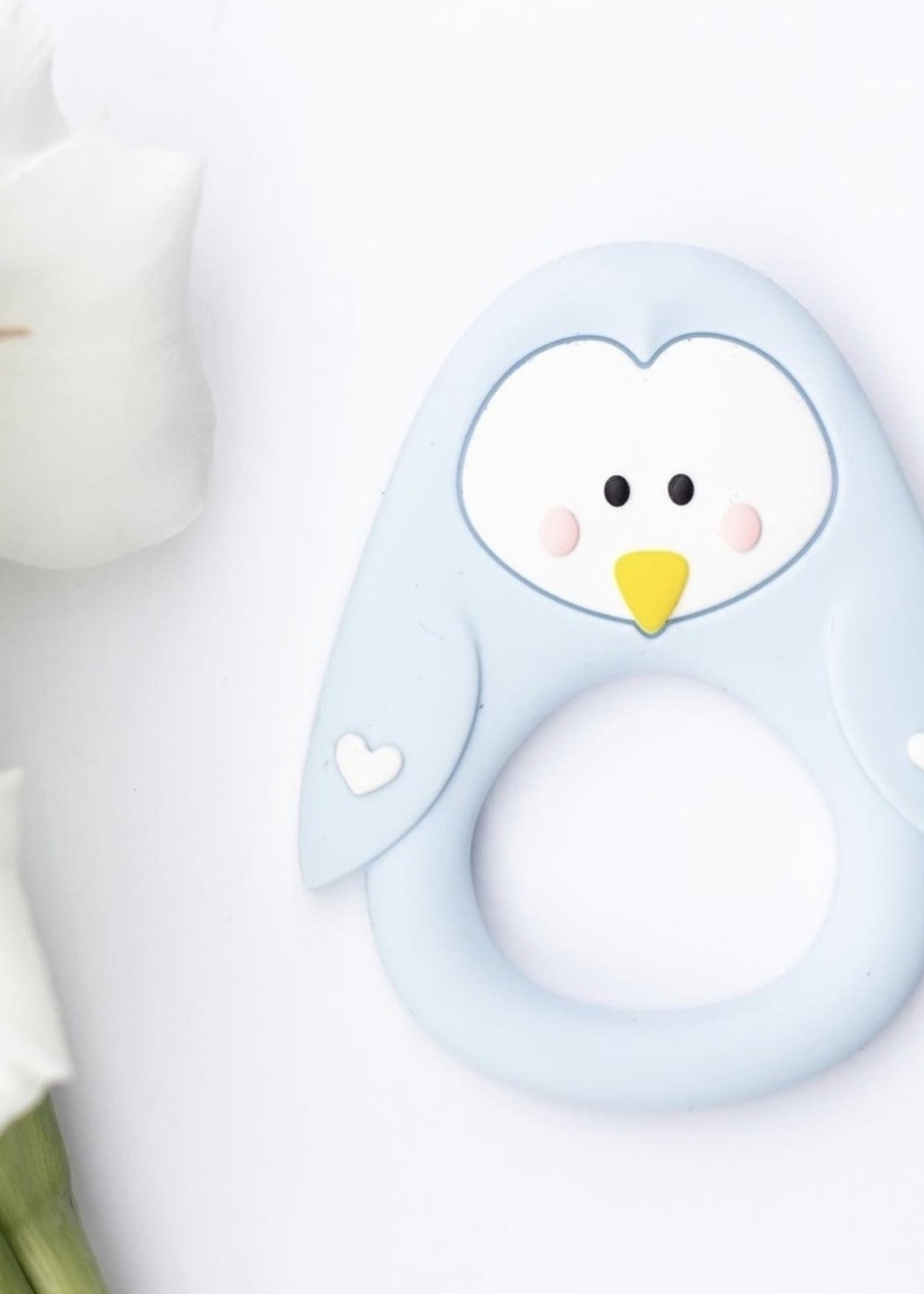 LITTLE CHEEKS LITTLE CHEEKS Blue Penguin SILICONE TEETHER