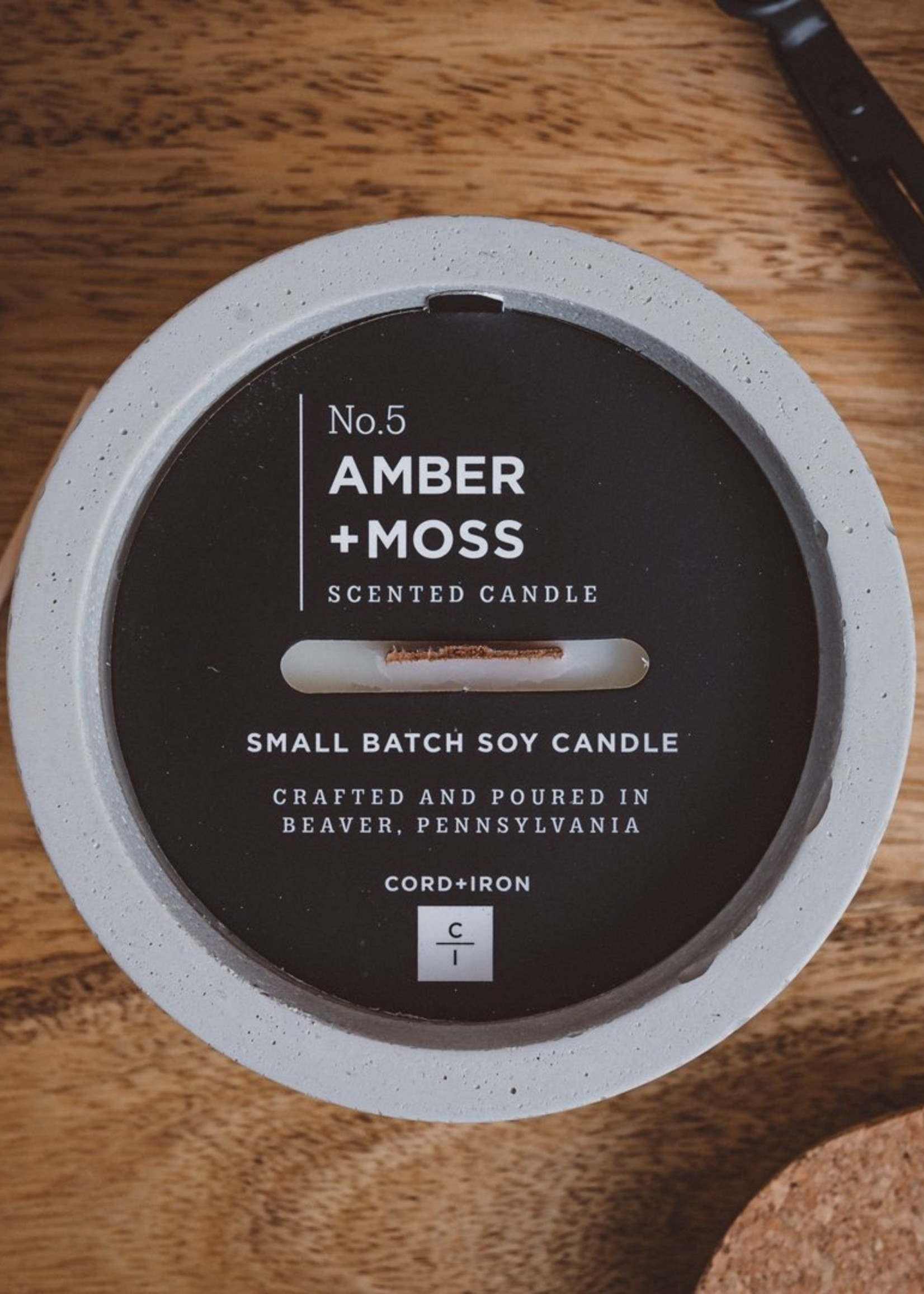 CORD +IRON AMBER+MOSS  Scented Candle - Natural