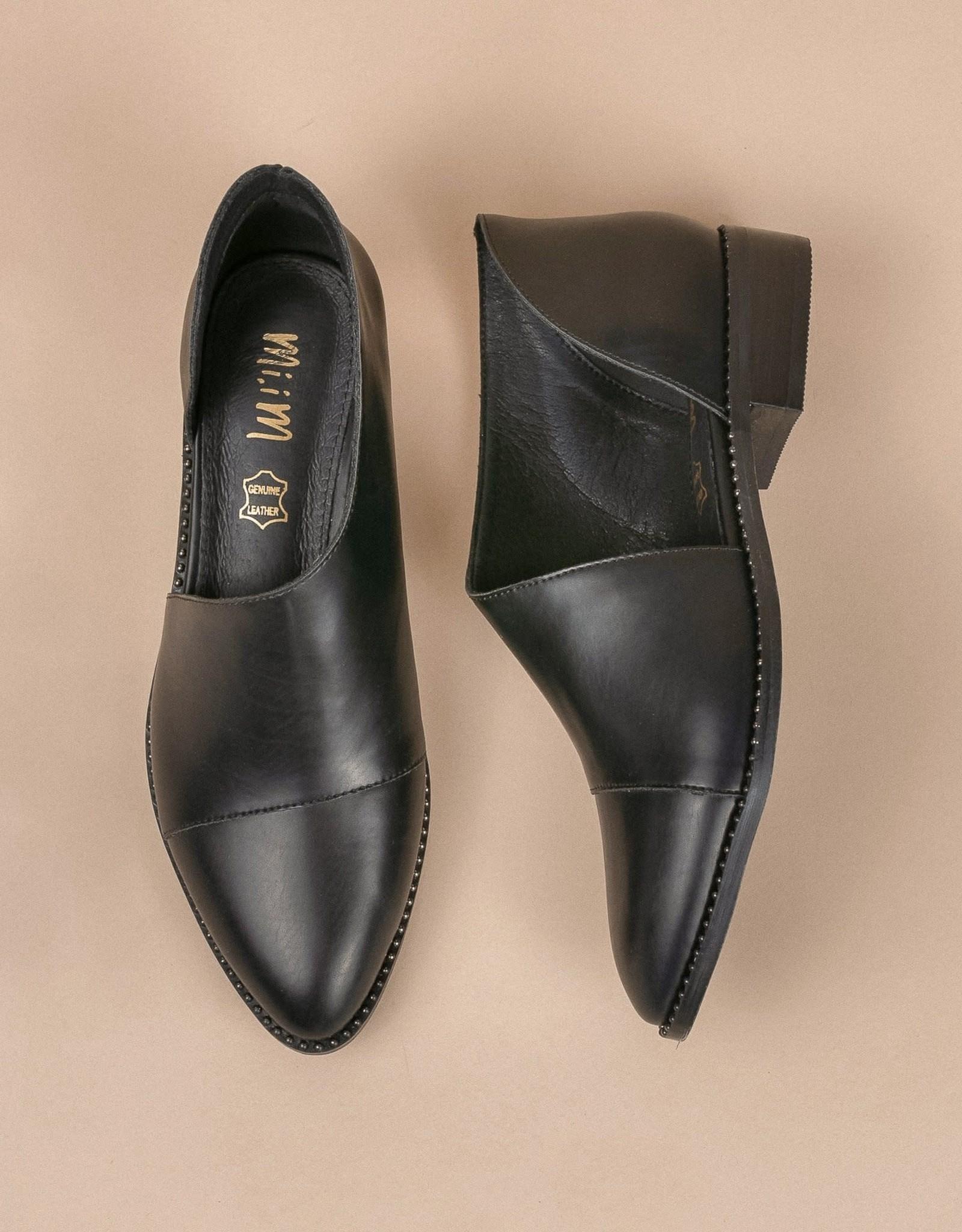 Mi.iM footwear The FIFTH Studded Flat
