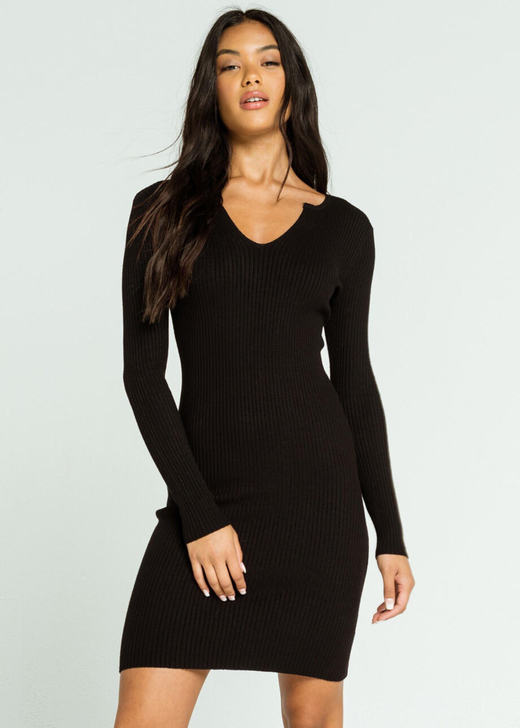LeBLANC finds V-Neck Knit Dress