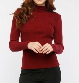 LeBLANC finds VISCOSE RIB KNIT MOCK NECK