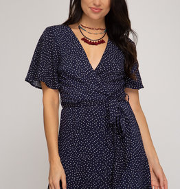 LeBLANC finds FLUTTER SLEEVE Dot dress