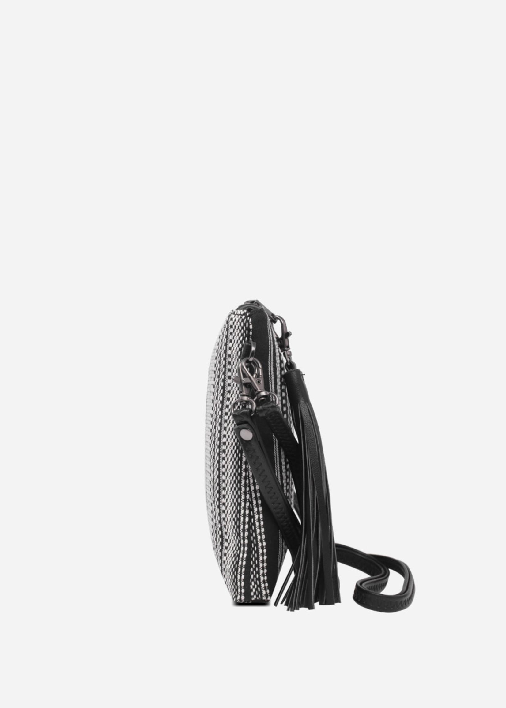 PIXIE MOOD Michelle Clutch BLACK+WHITE WOVEN