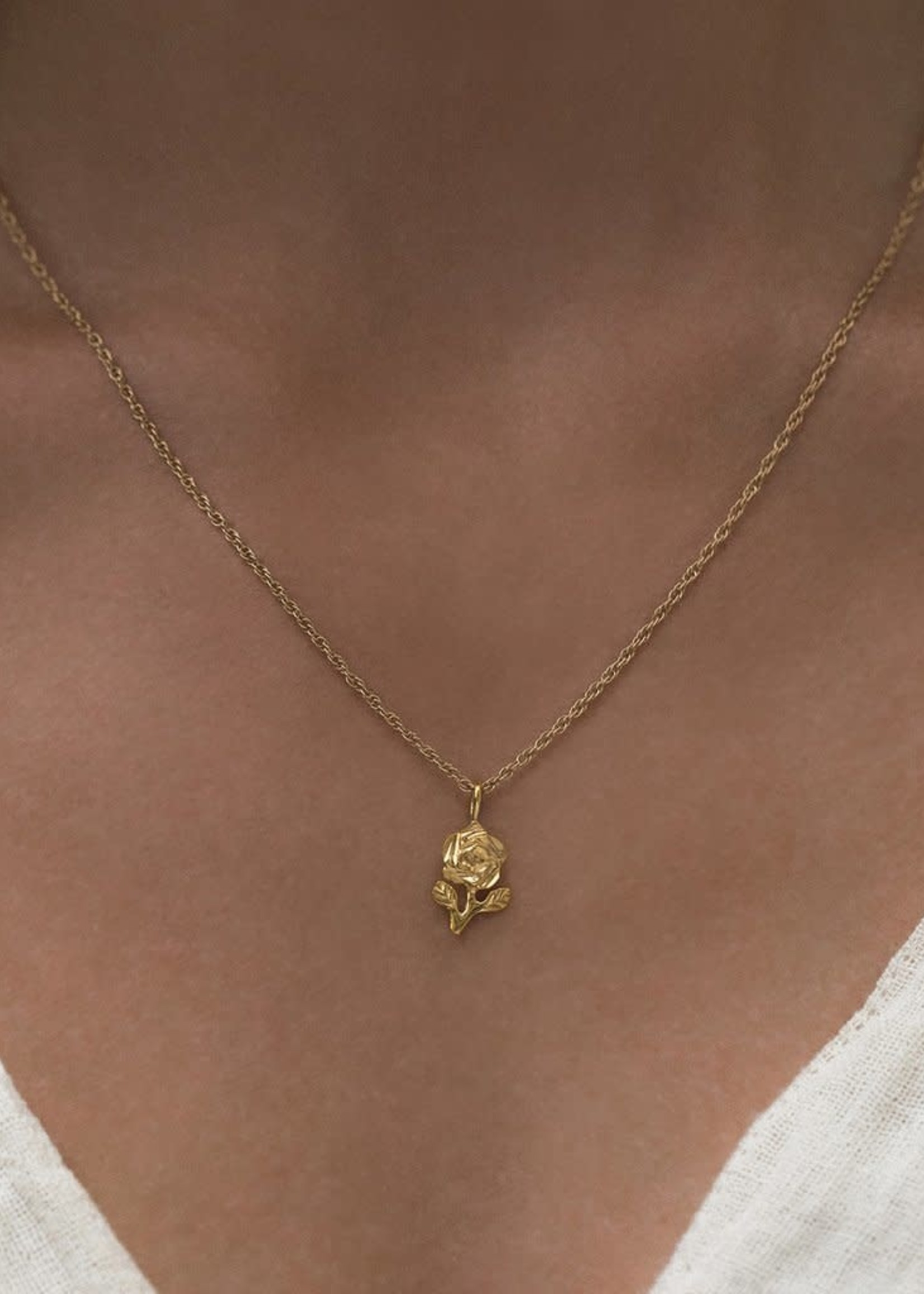 LEAH ALEXANDRA ROSE necklace