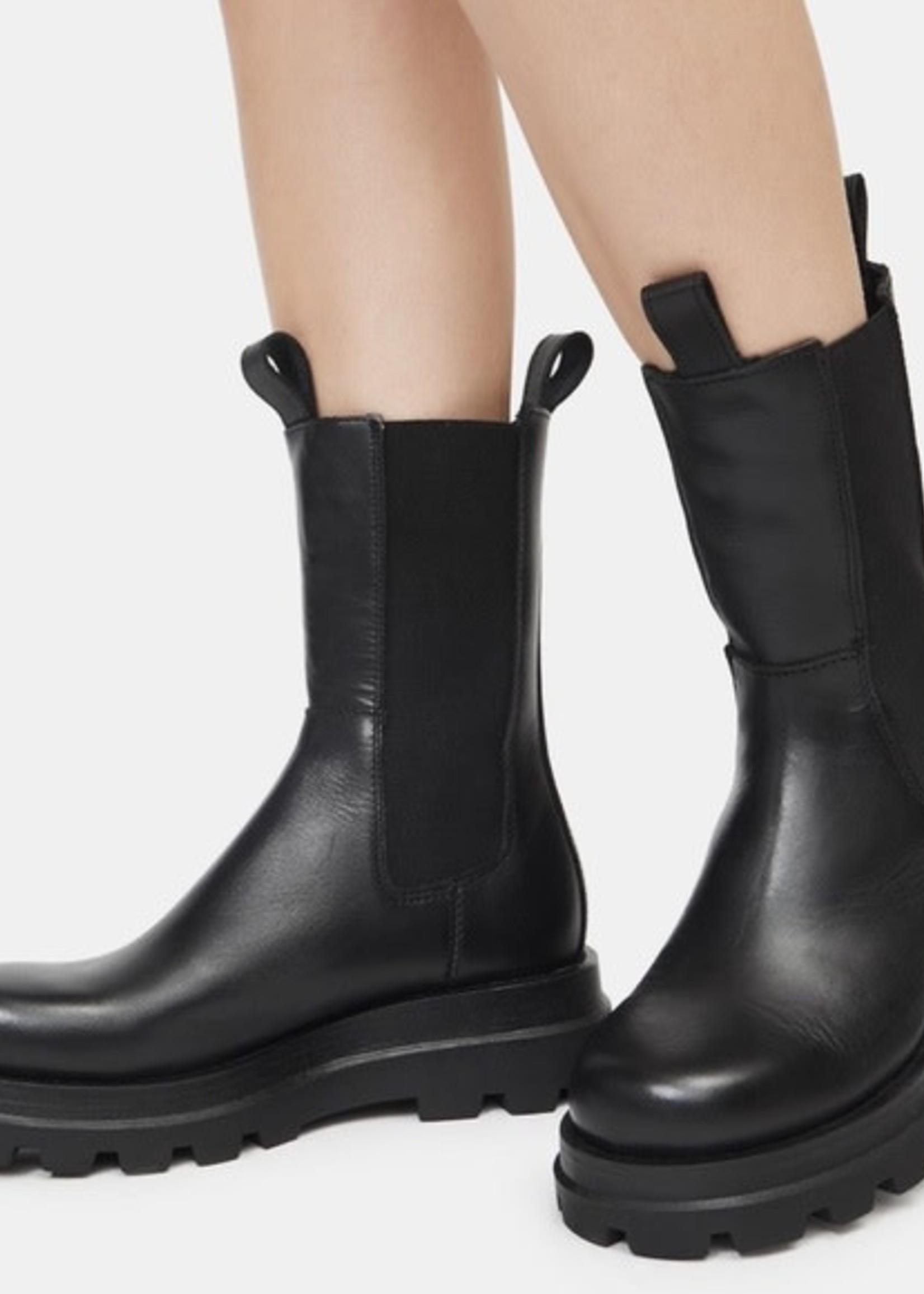 STEVE MADDEN The Explorer Leather Boots