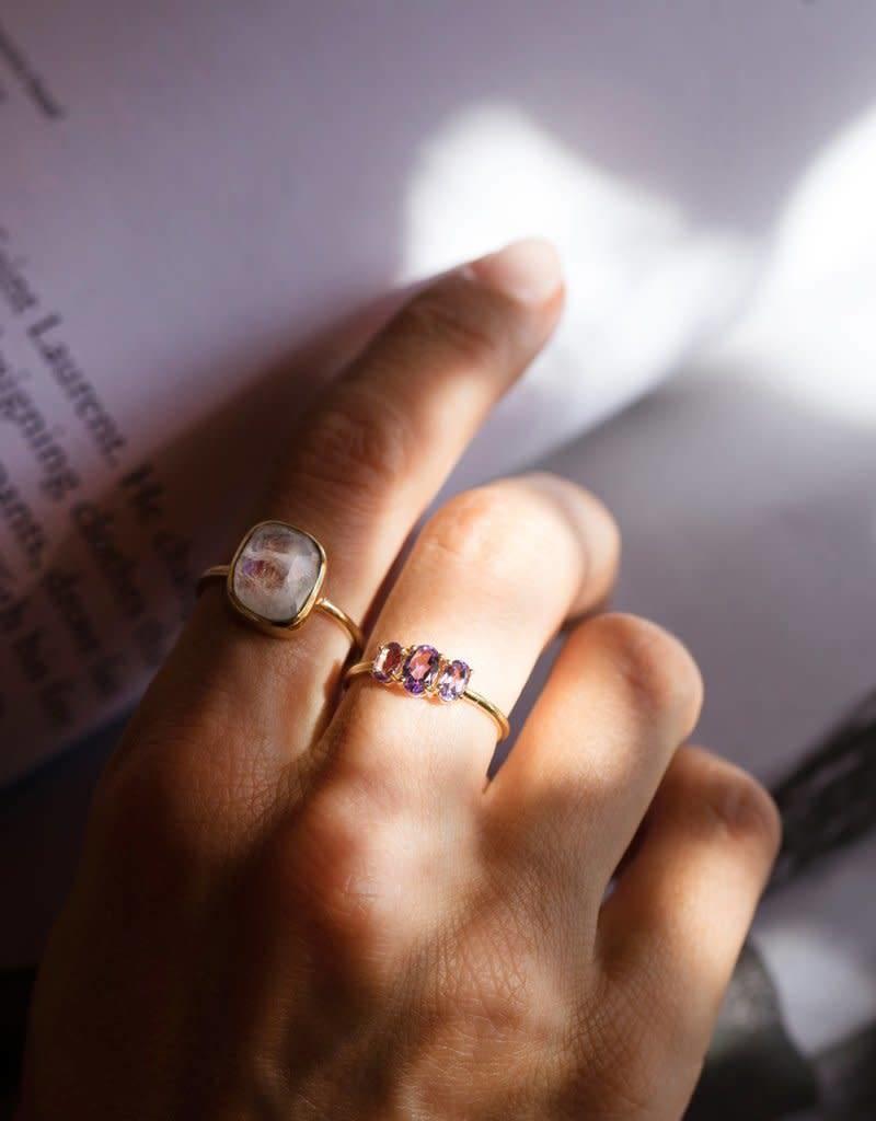 LEAH ALEXANDRA AURA ring, MOONSTONE, 18k gold