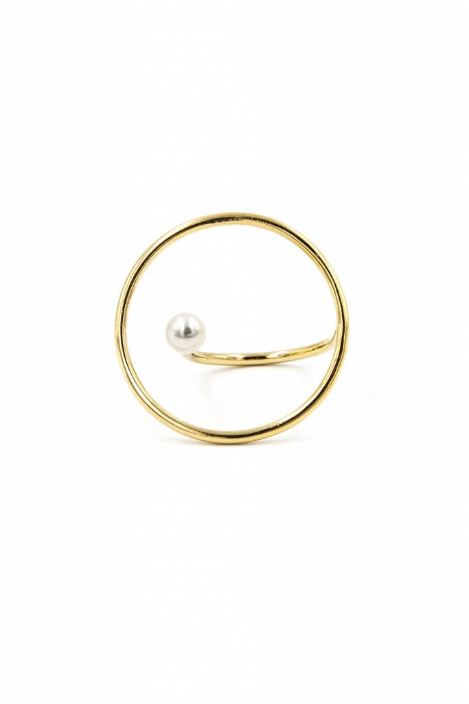 Pearl Maxi Saturn Ring