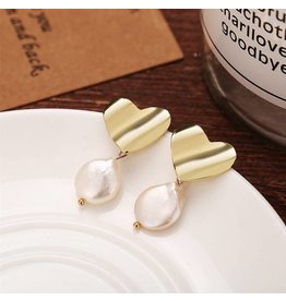 17KM Official Store SADIE Gold Heart with Pearl Drop Earring