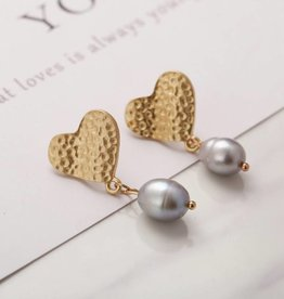 17KM Official Store MADDIE Gold Hammered Heart and Pearl Drop Earring