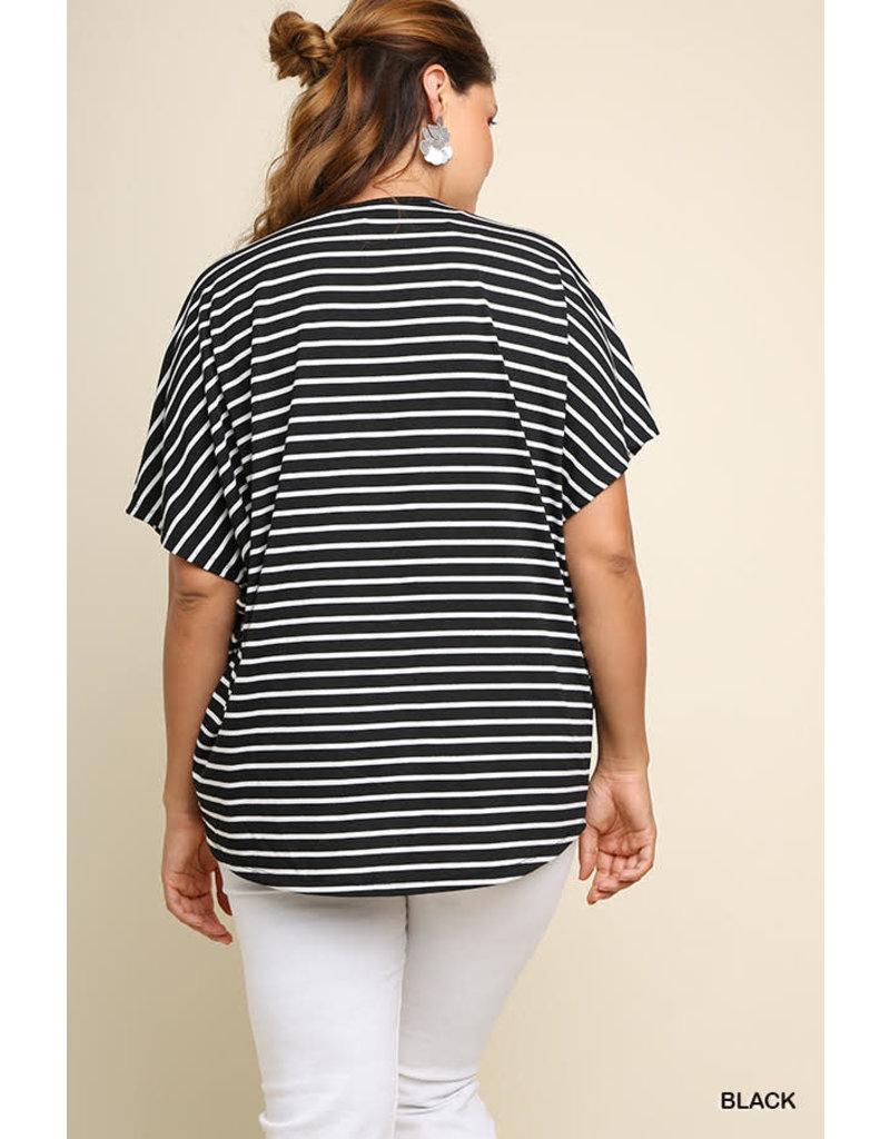 UMGEE NOVA Curvy Girl Striped Short Sleeve V-neck Crossbody Top