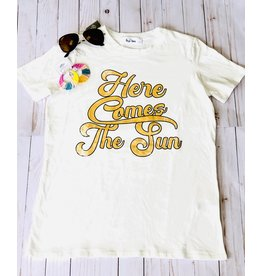 The Ritzy Gypsy Private Label HERE COMES THE SUN Graphic Tee (S-L)