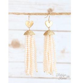 Southern Grace FALLING IN LOVE Beaded Heart Earring (beige)