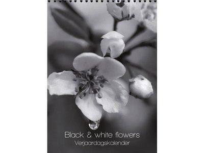 Black & White Flowers Birthday Calendar 7x9.8
