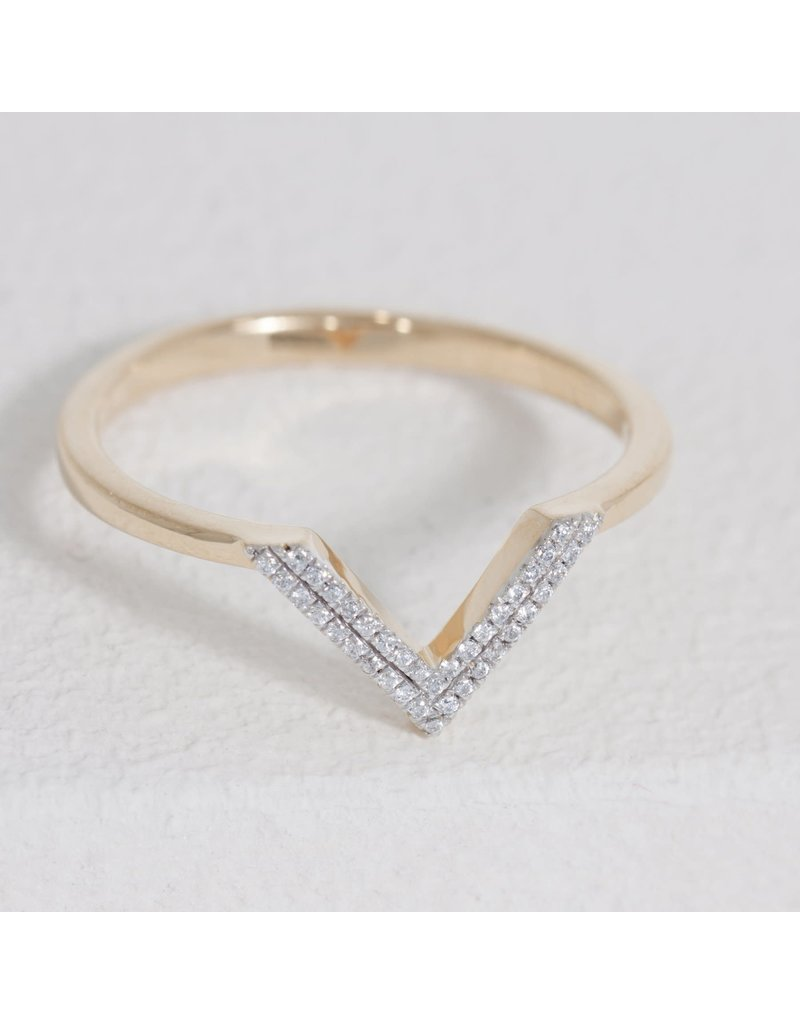 Ella Stein V Ring, Gold, 6