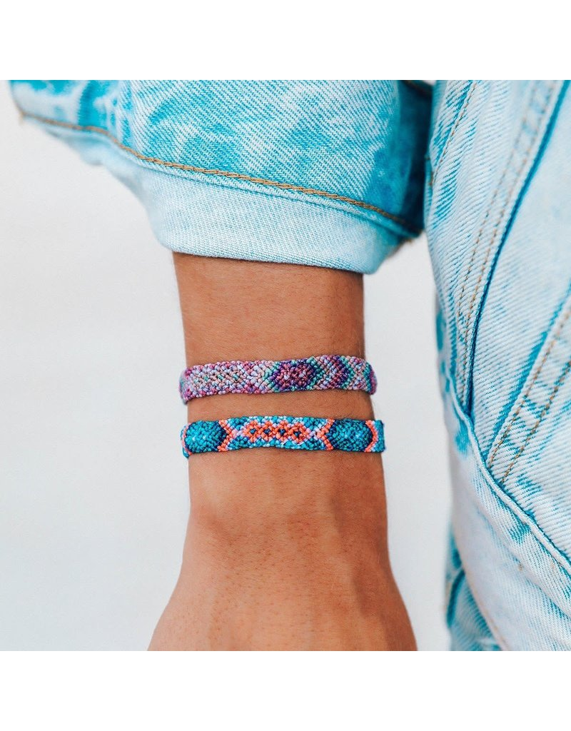 Pura vida friendship macrame bracelet- purple