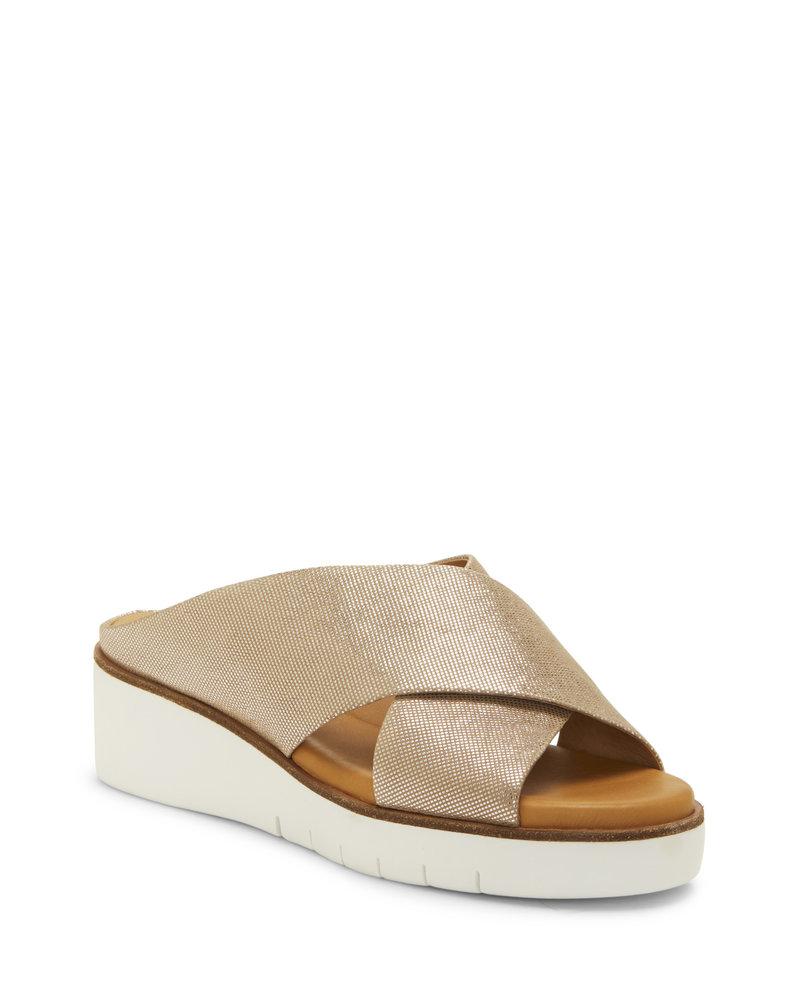 Corso Como Corso Como 'Brunna' Slip-On Sandals in Champagne