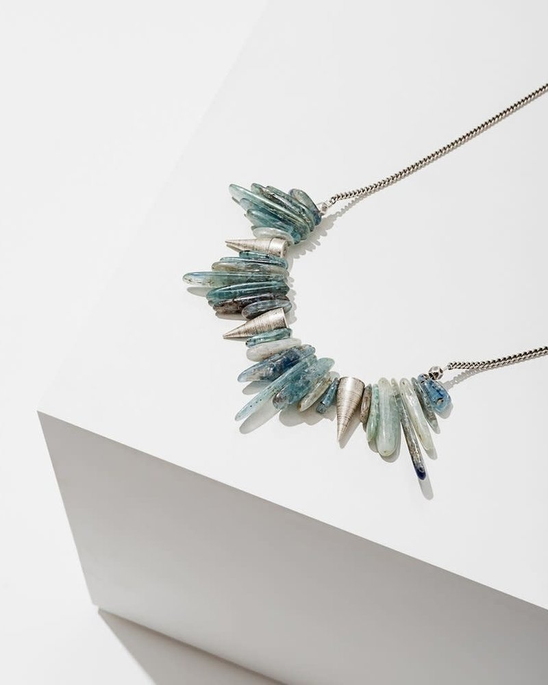 Larissa Loden Larissa Loden Silver 'Kyanite' Spike Necklace