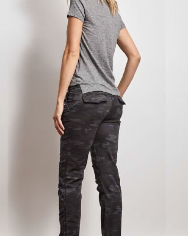 Stonefield Stonefield 'Sinclair' Jogger in Grey Camo