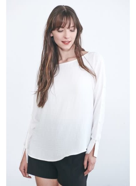 Week& 'Just the Button' Button Sleeve Blouse (Small) **FINAL SALE**