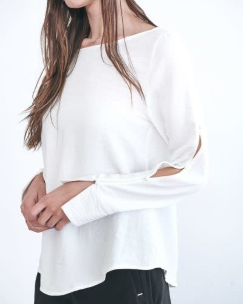 Week& Week& 'Just the Button' Button Sleeve Blouse