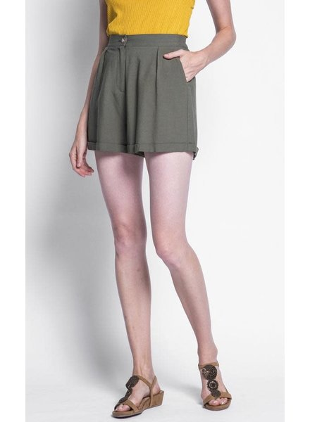 Pink Martini Collection Green 'Holly' Cuffed Shorts