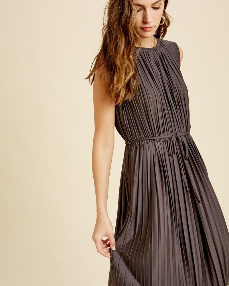 Wishlist Wishlist 'Pleat Or Be Pleated' Sleeveless Dress (Large) **FINAL SALE**