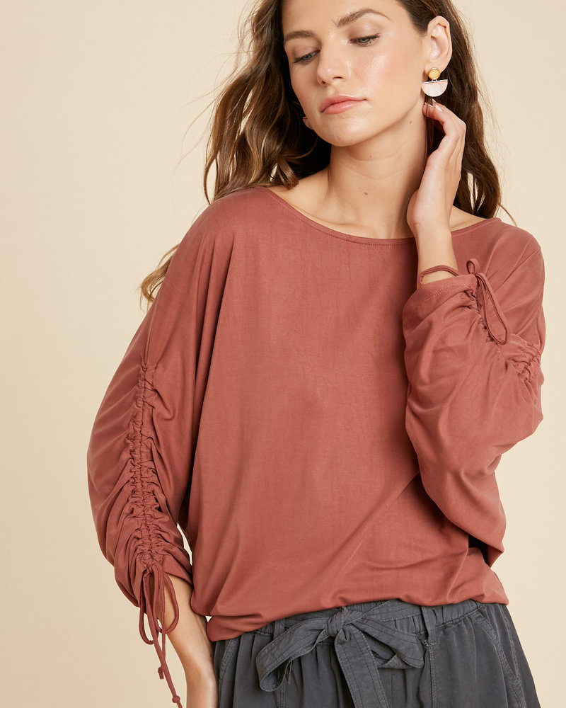 Wishlist Wishlist Brick 'Ruched & Ready' Dolman Sleeve Top