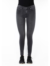 Articles of Society 'Sarah' Skinny Ankle Jean in Bingen