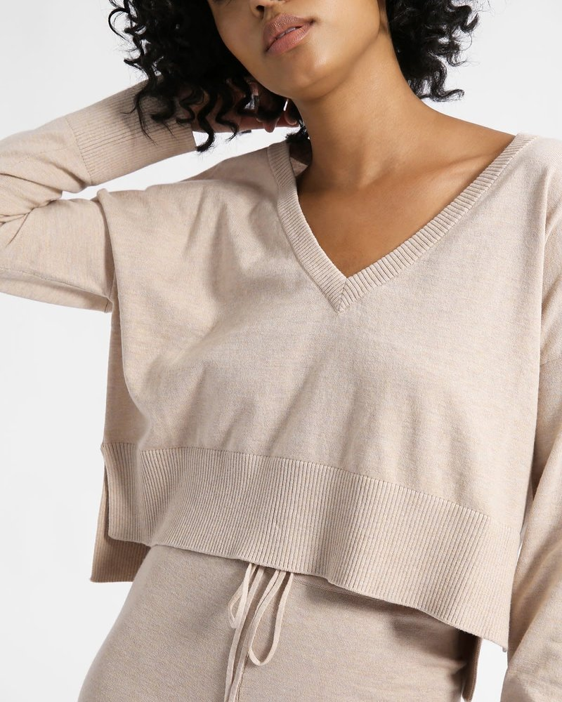 Sanctuary Clothing Sanctuary Essential V-Neck Crop Sweater
