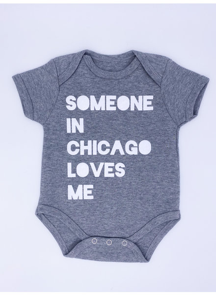 Emerson & Friends Short Sleeve Grey 'Someone In Chicago' Onesie