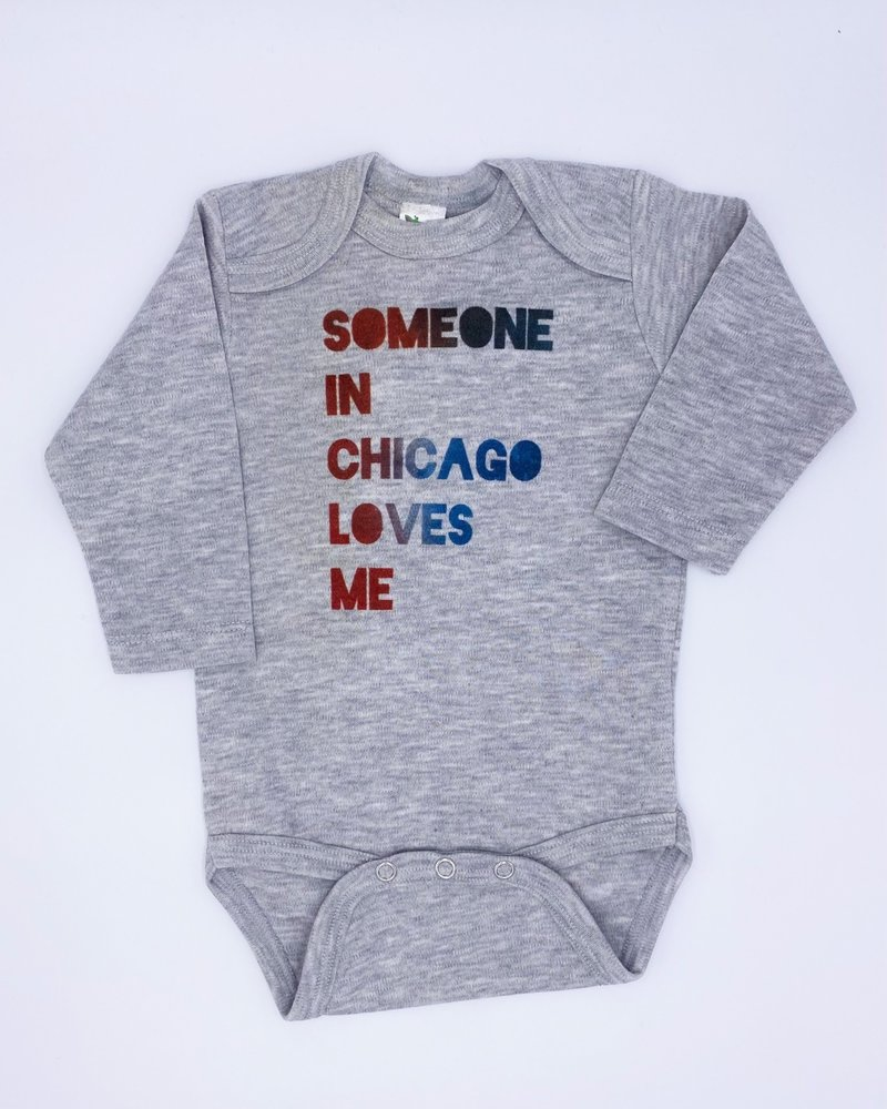 Emerson & Friends Emerson & Friends Long Sleeve Grey Red Blue 'Someone In Chicago' Onesie