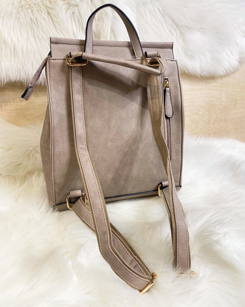 Belle Up 'Back It Up -Remix'  2-In-1 Convertible Backpack