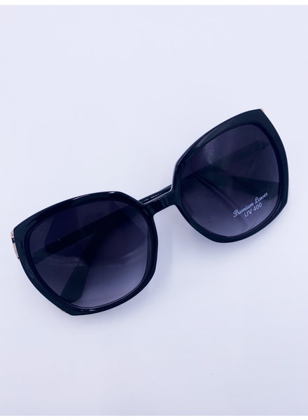 Belle Up 'Eye Spy' Sunglasses