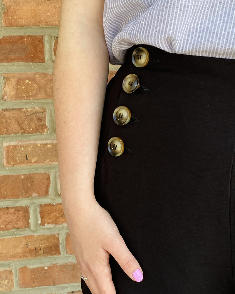 KLD Signature KLD Signature Black 'Sail Away' Button Front Shorts