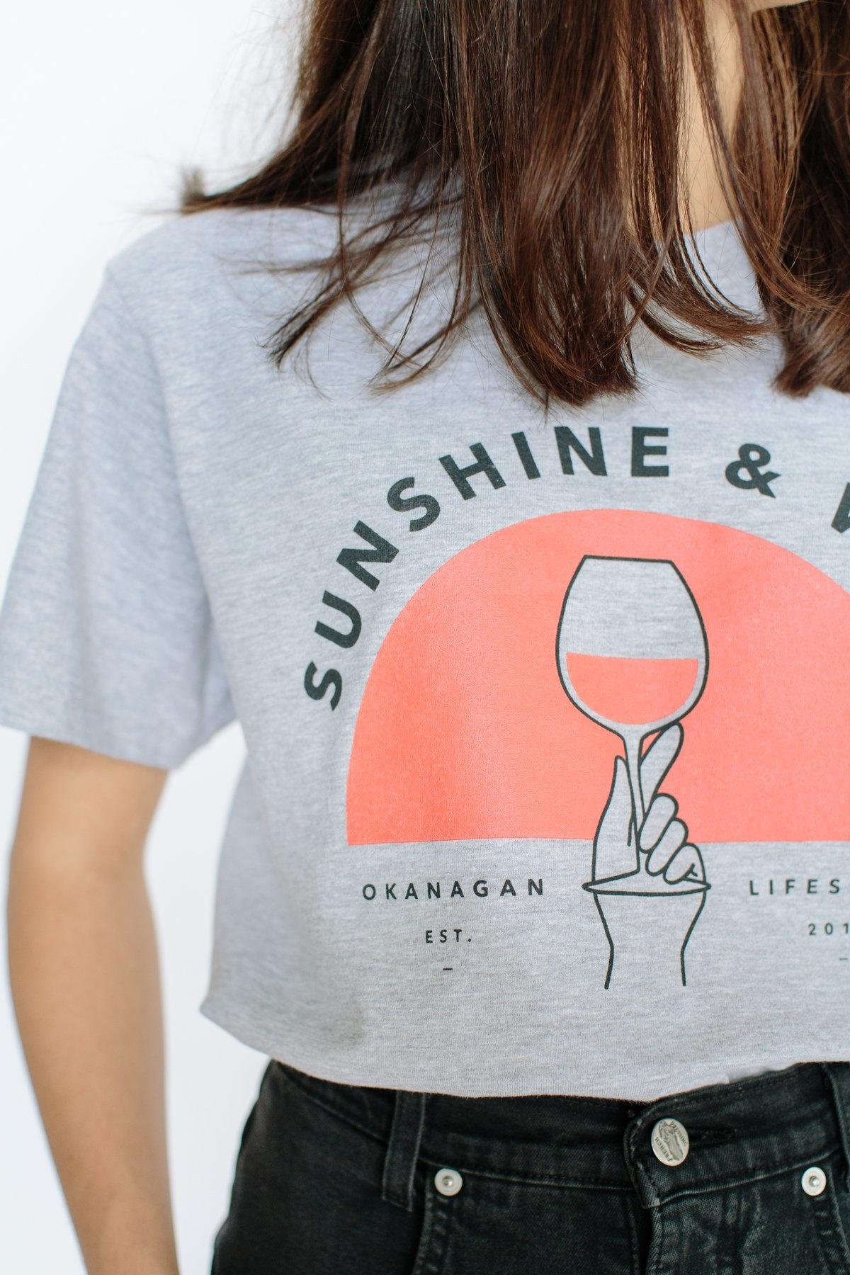 SUNSHINE AND WINE VINTAGE TEE-2