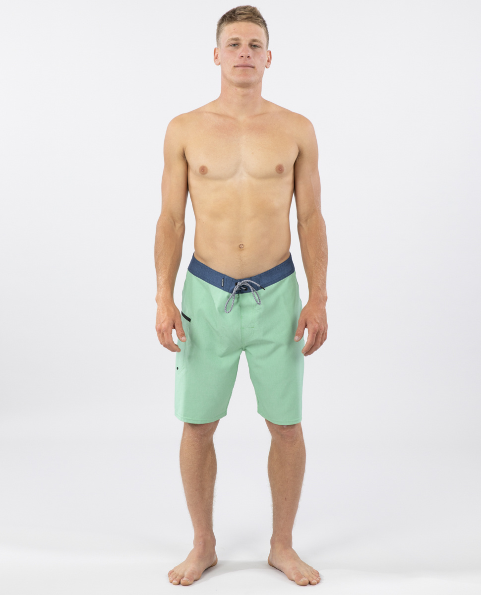 "MIRAGE CORE 20"" Boardshorts-2"