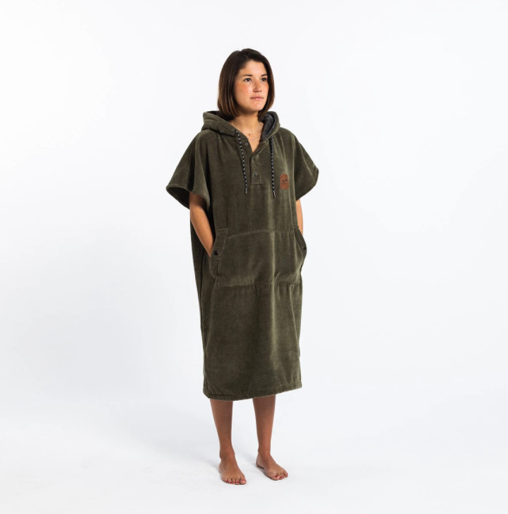 THE DIGS PONCHO GREEN-1