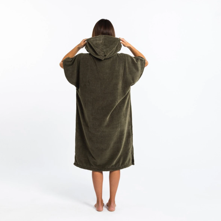 THE DIGS PONCHO GREEN-2