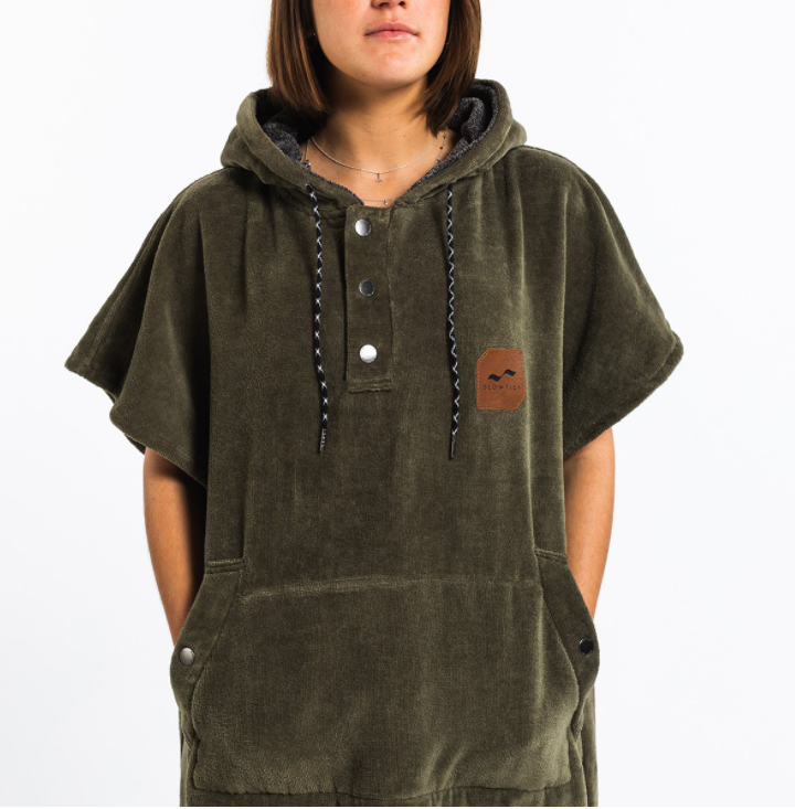 THE DIGS PONCHO GREEN-3
