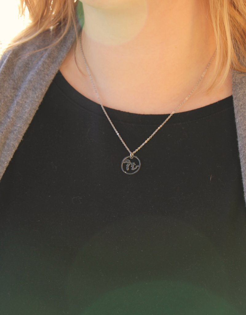 BE INSPIRED GREAT LAKES CIRCLE PENDANT NECKLACE