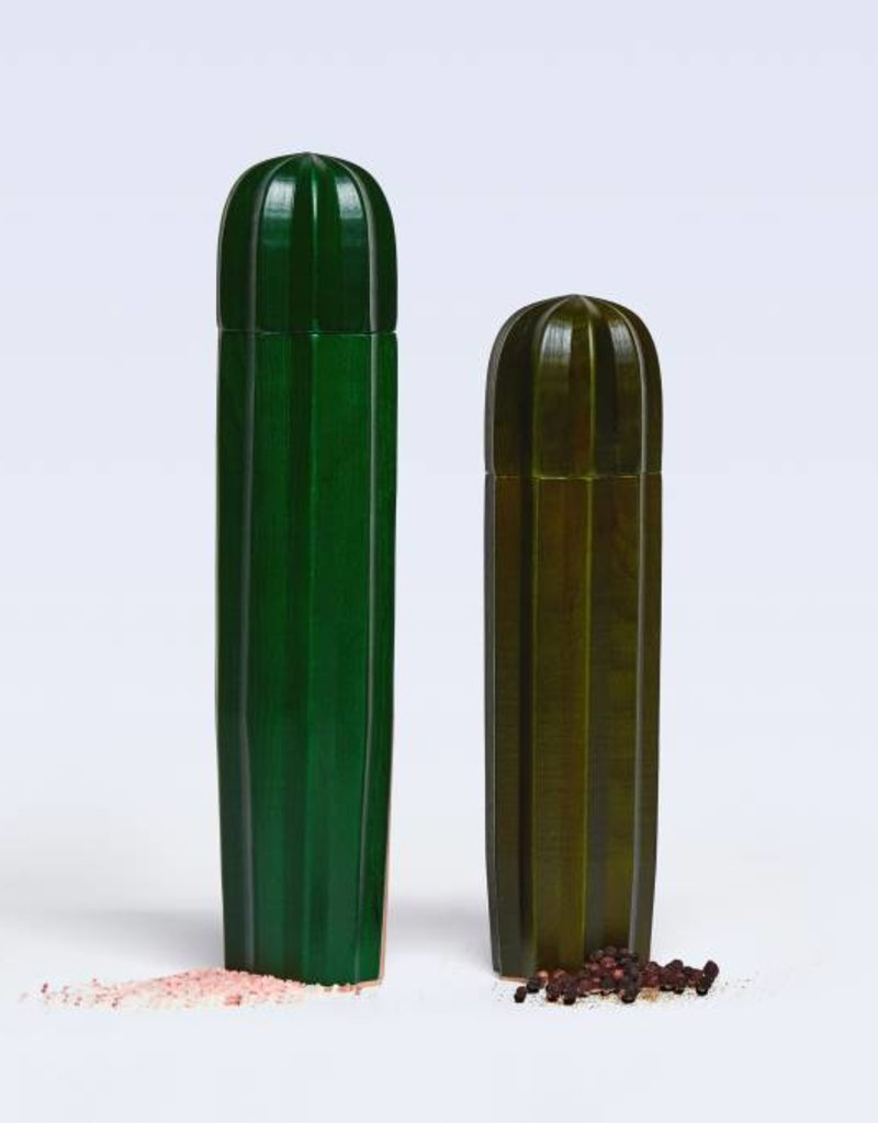 Doiy Cacti Green Wood Salt and pepper mills