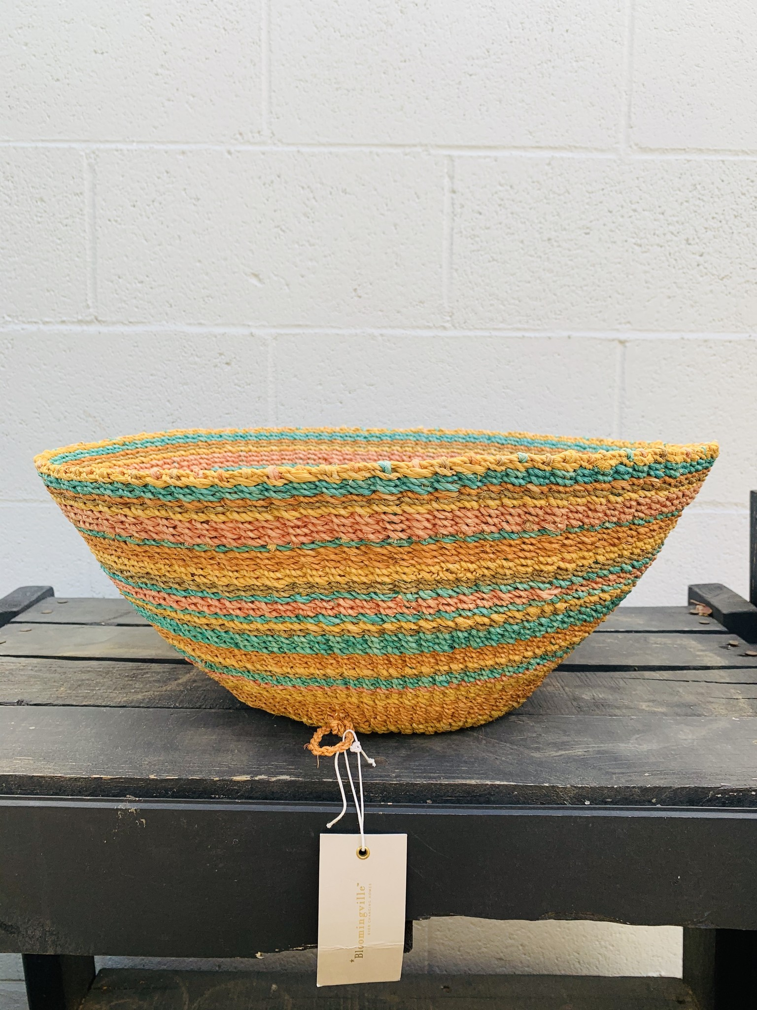 "18"" Round Abaca Wall Basket"