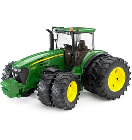 Bruder John Deere Tractor 7930 w/double wheels