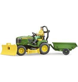 Bruder John Deere Lawn Tractor