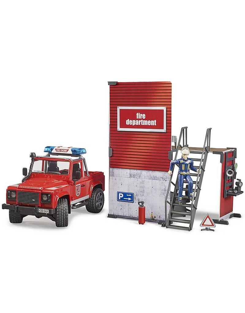 Bruder Firestation w Land Rover, Fireman and accessories