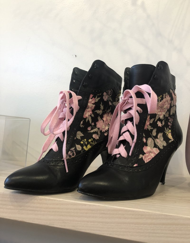 SHAKE YOUR BON BON Vintage 90's Brouge Floral Wicked Granny Booties 8
